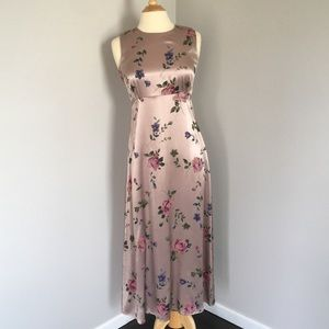 Lilac Floral Sleeveless Long Satin like Dress 90s
